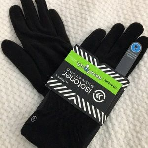 Black Isotoner Signature active SmartTouch gloves